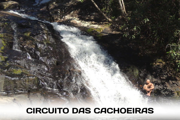 Um circuito pelas cachoeiras que se formam nos morros da Mata Atlântica em Cananeia.